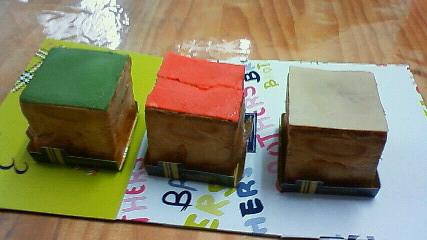 四角のシュークリーム