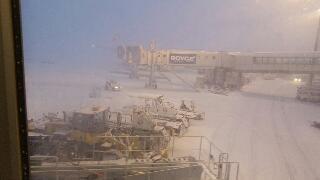 猛吹雪in千歳空港